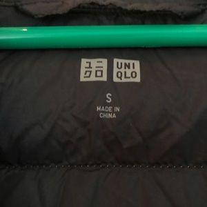 Uniqlo Jackets & Coats - Uniqlo Gray Light Puffer Jacket Hooded